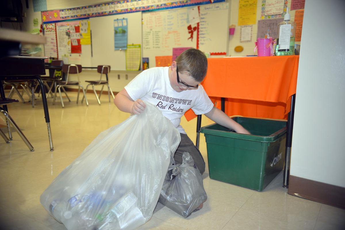 Menallen Elementary S Recycling Efforts Have Many Benefits Education Heraldstandard Com