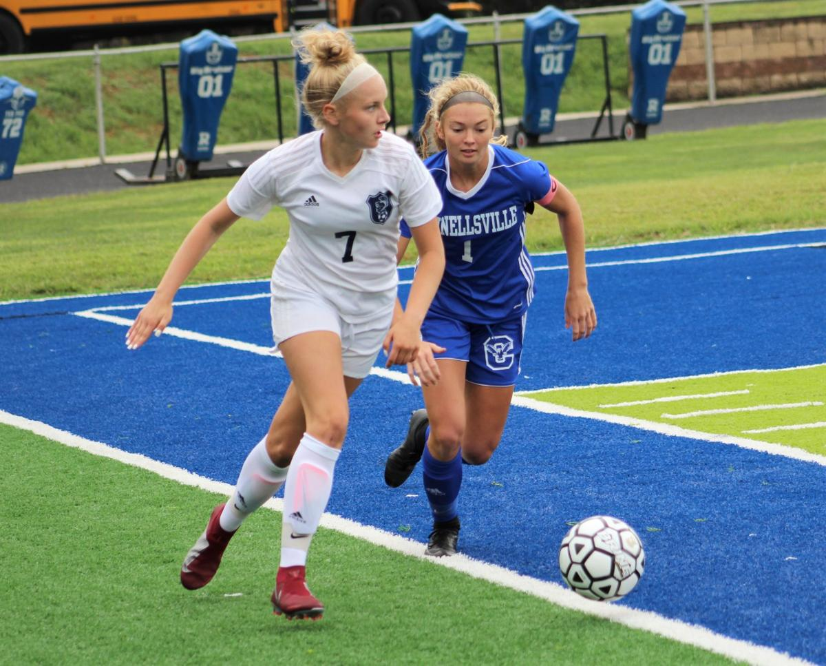 Lady Falcons' Cunningham named player of the year