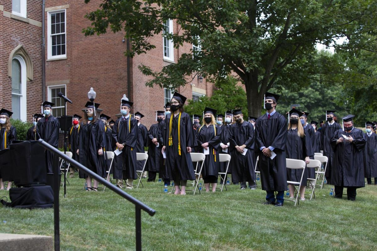 University holds commencement ceremonies