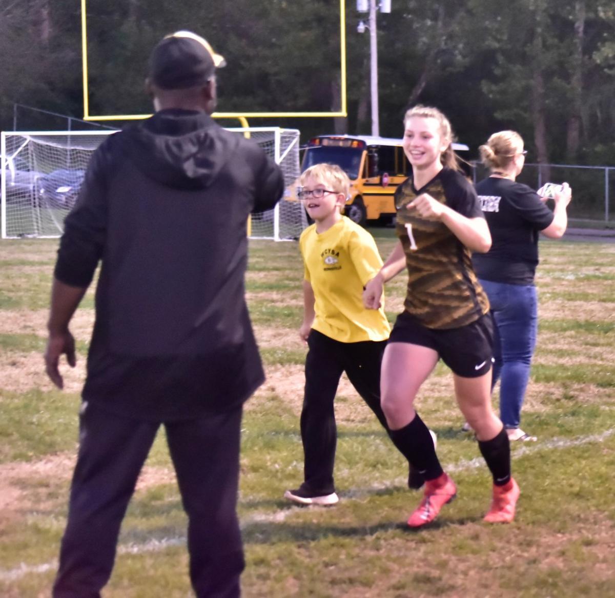 Dellarose to play soccer at UNC