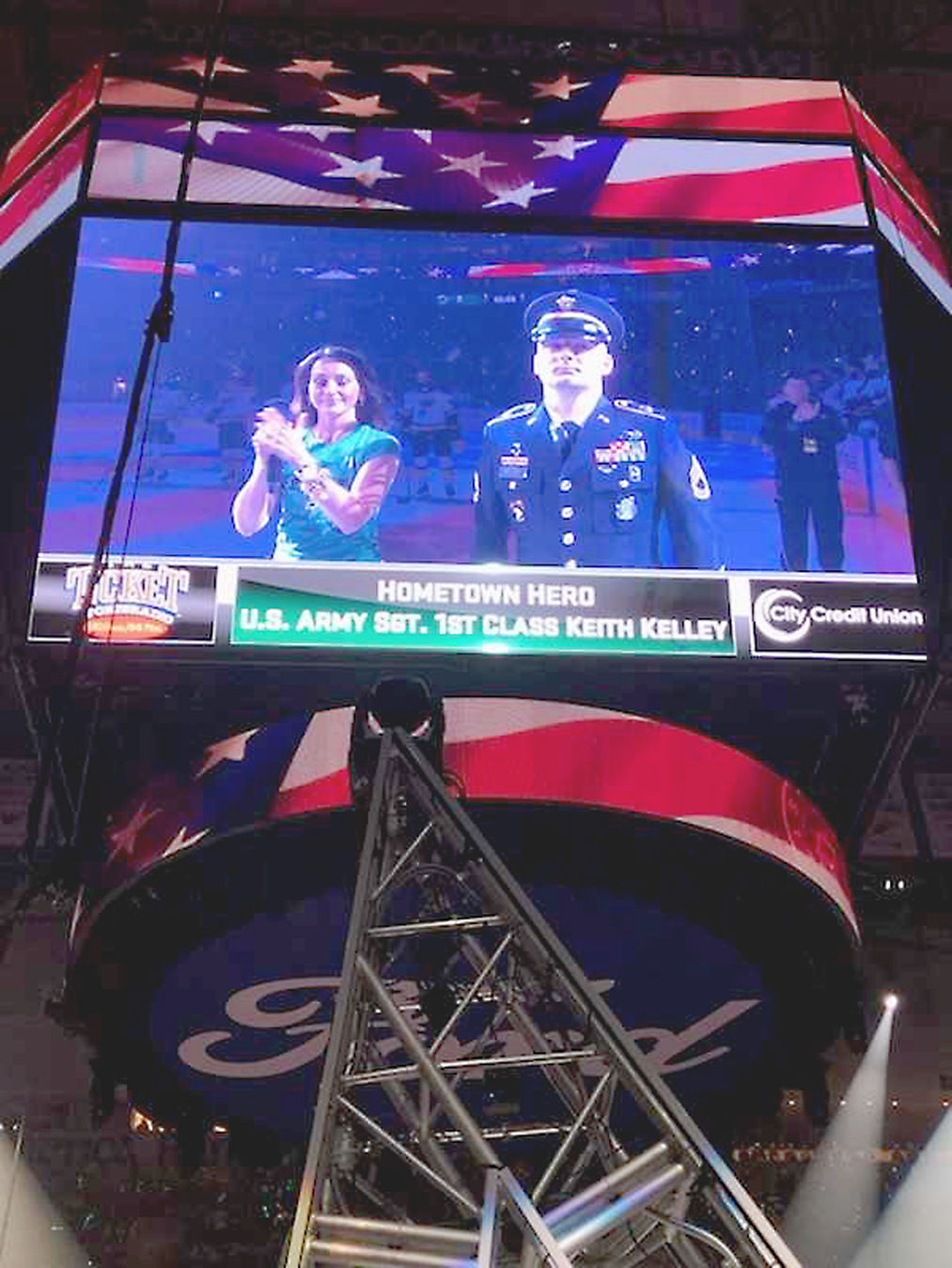 Fayette County veteran recognized by Dallas Stars during