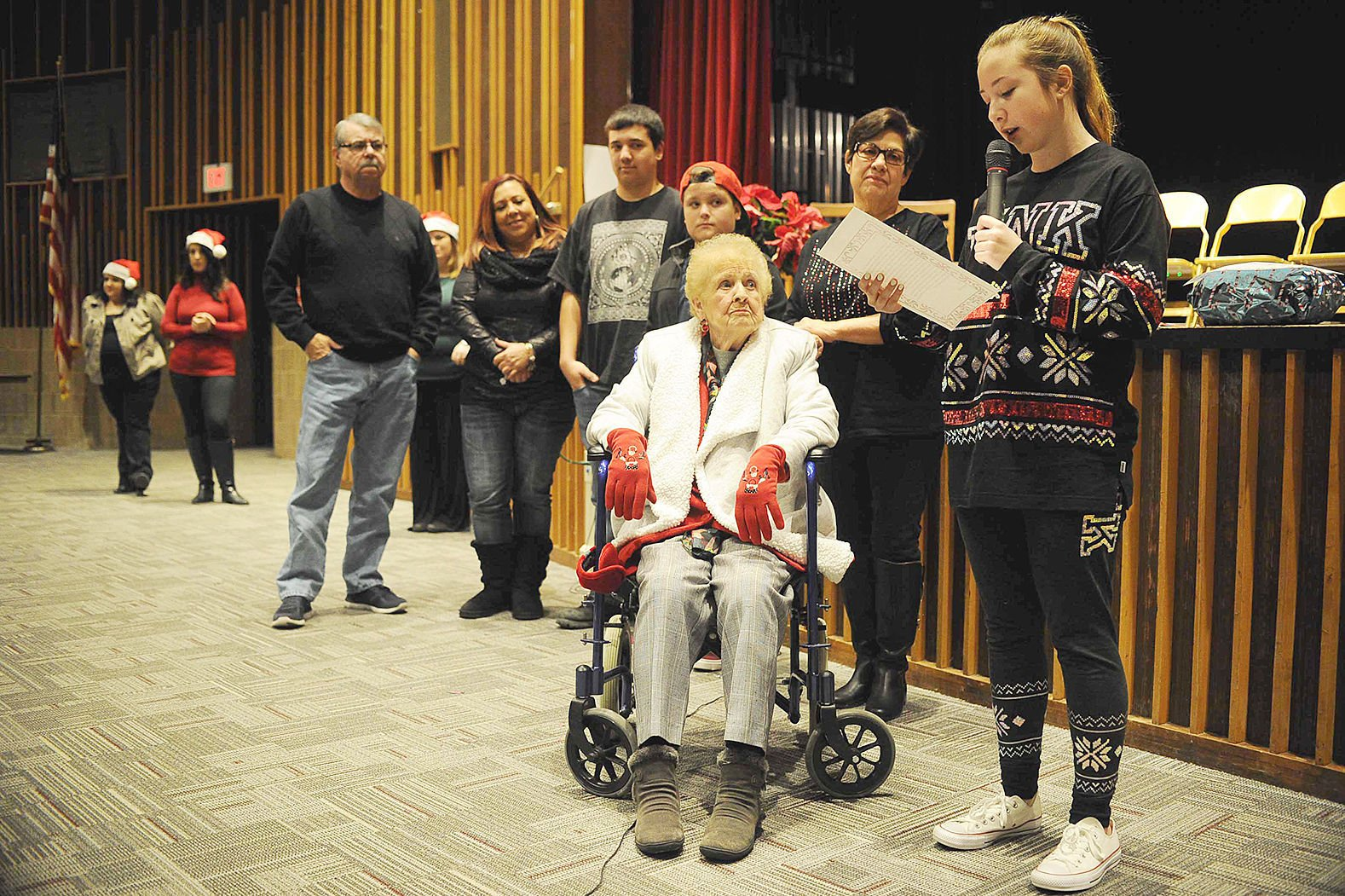 i look forward to hearing from you cover letter%0A Eighthgrade student Raegan Calcek  right       reads her letter aloud to  her greatgrandmother June Hopkins  center   while flanked by family  members
