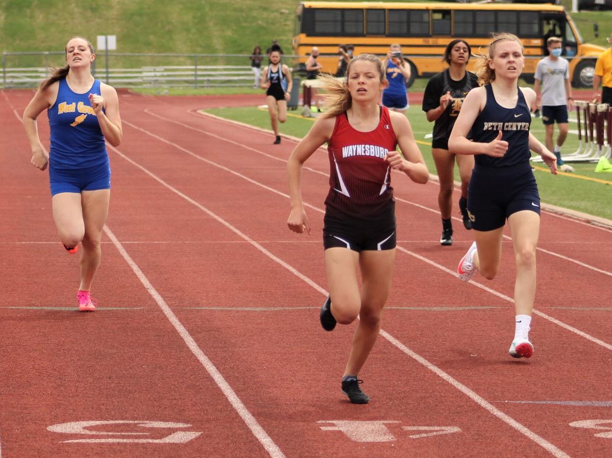 Basinger sprints to the finish line