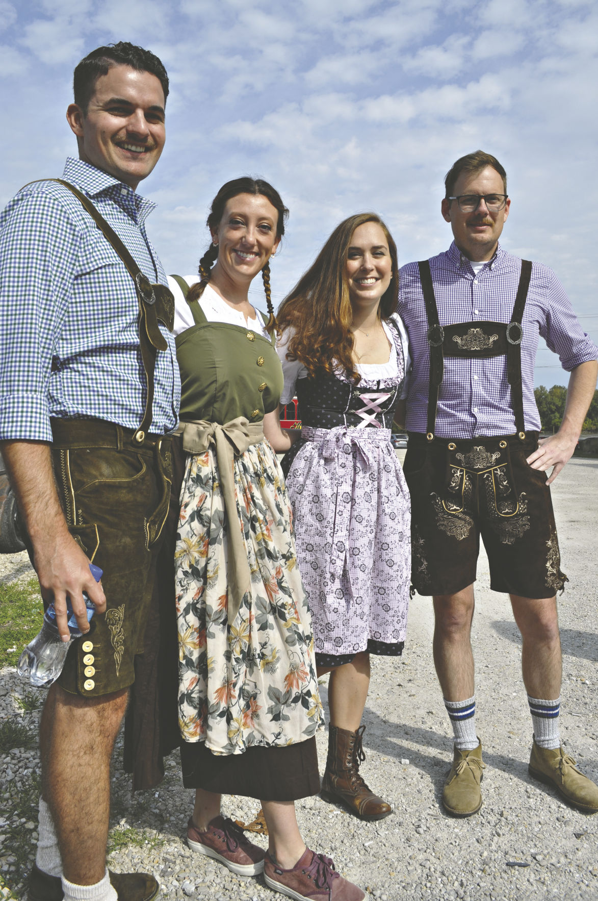 Oktoberfest_tourists.jpg