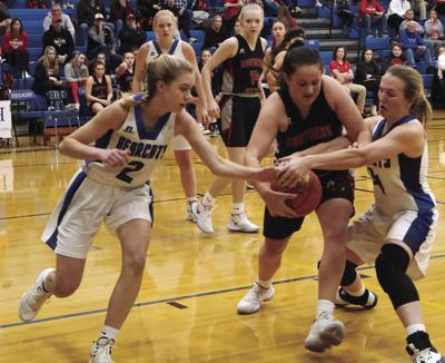 Lady Bearcats fall to Southern Boone County Eagles