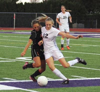 Kamiakin shuts out Hermiston girls soccer