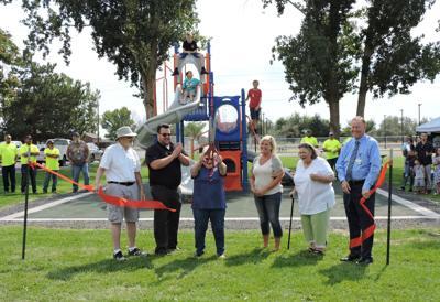 Umatilla cuts the ribbon on Kiwanis Park