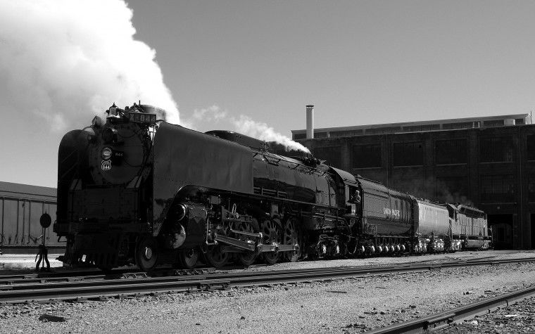 Classic train to arrive at Hinkle on Sunday evening
