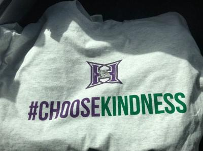 PREP BASKETBALL: Bulldogs #ChooseKindness as a theme for final Pendleton-Hermiston matchup