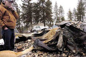 Fire can't keep couple from mountain life