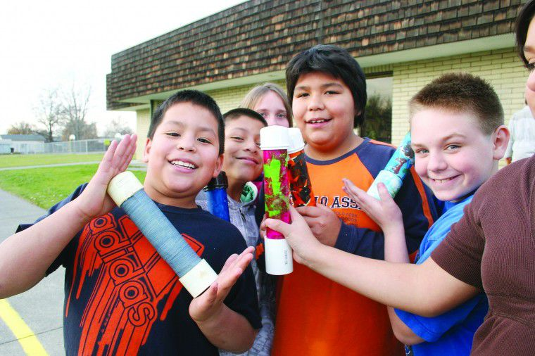 McNary students turn colorful eyes to sky
