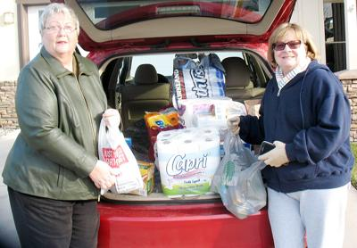 Shelter receives Christmas delivery from garden club