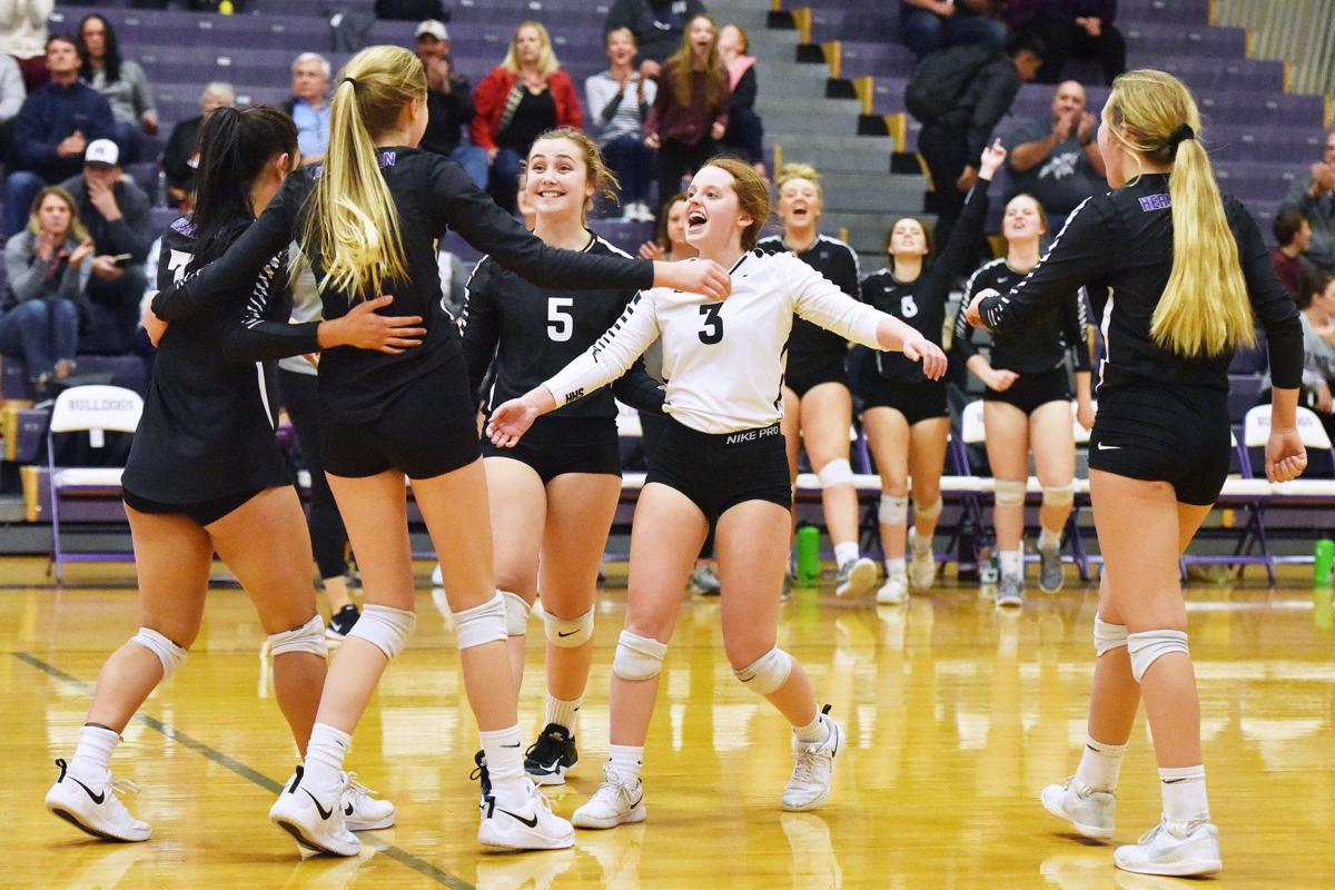 Hermiston finishes season one win from state