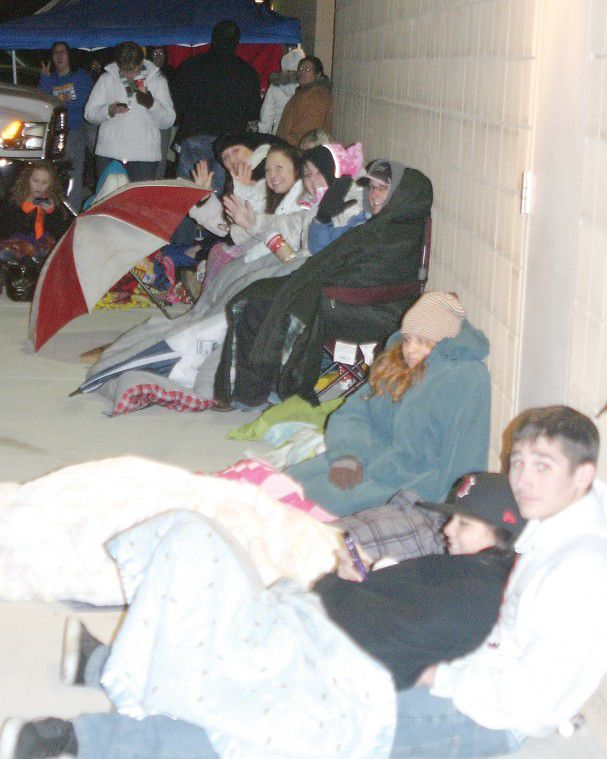 Fans line up for Twilight
