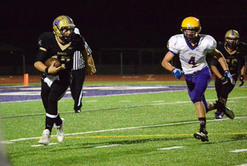Bulldogs take down Bengals on gridiron, play The Dalles-Wahtonka Friday