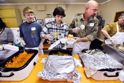 Hermiston community meal has just enough turkey for Thanksgiving dinner