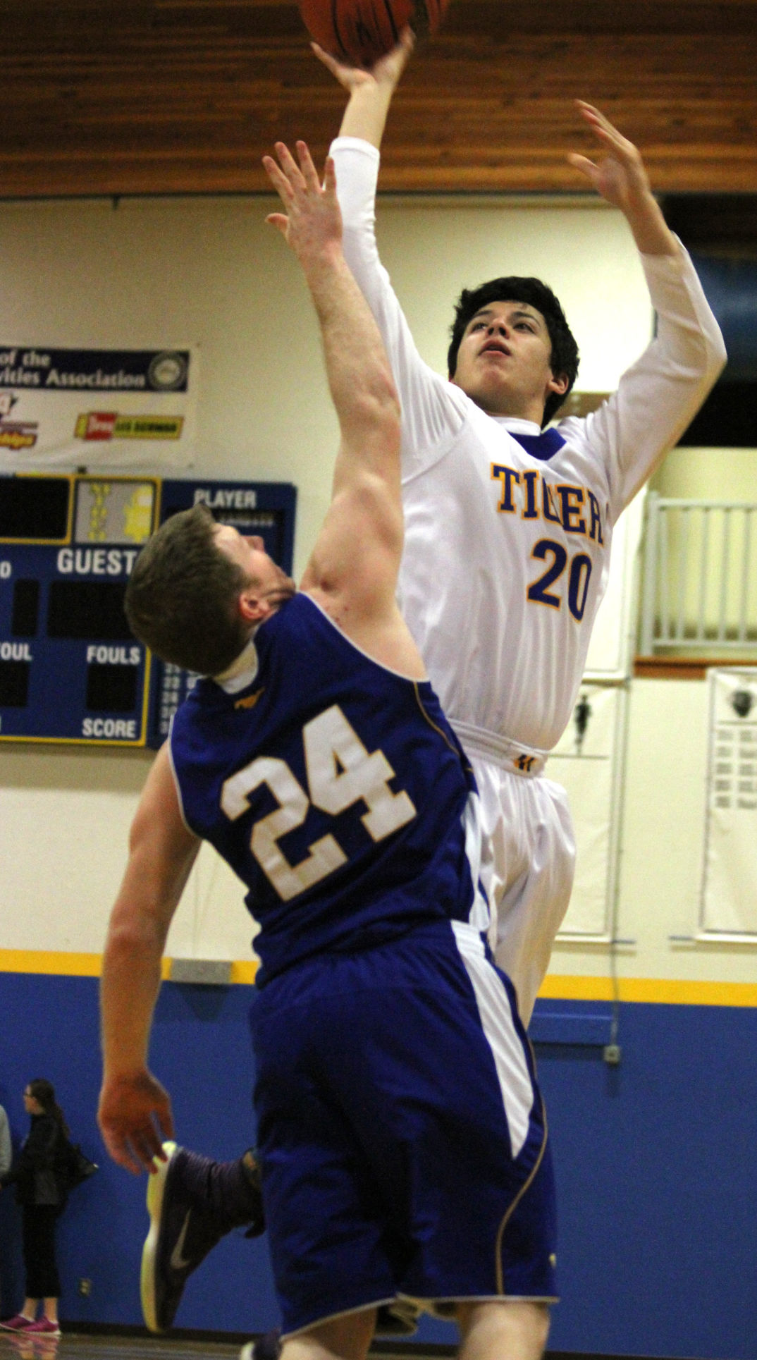 Heppner boys hold on to beat Stanfield