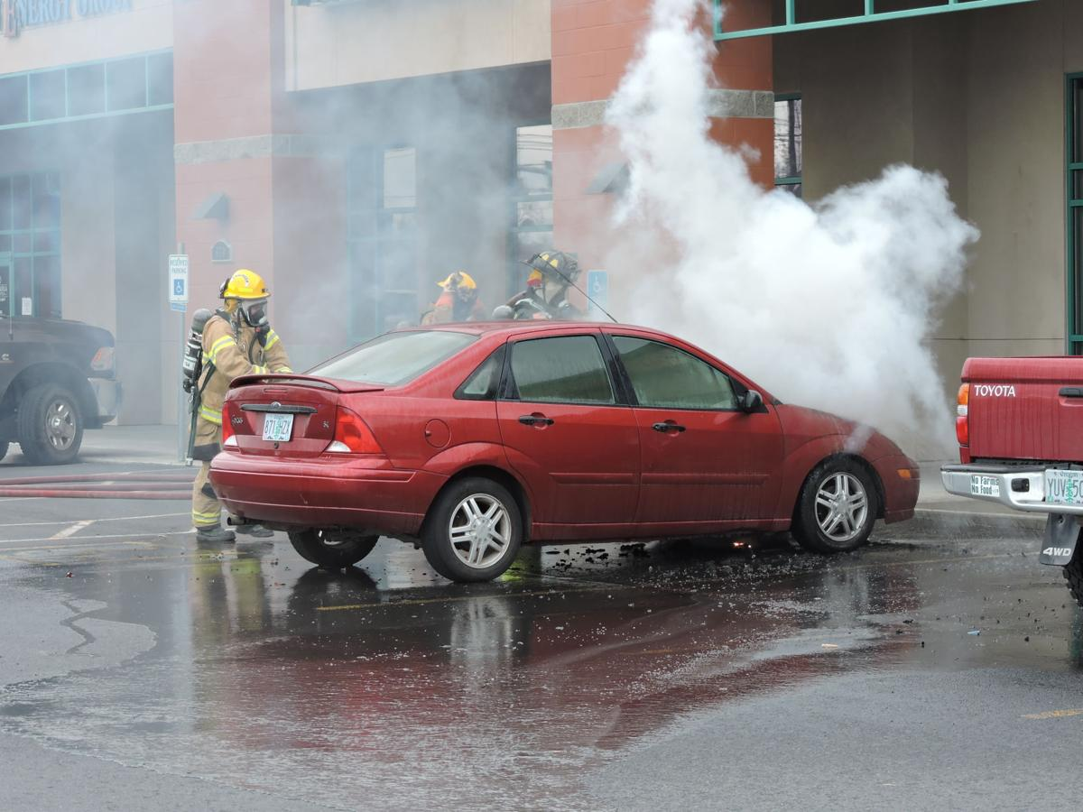 Car catches on fire in Hermiston
