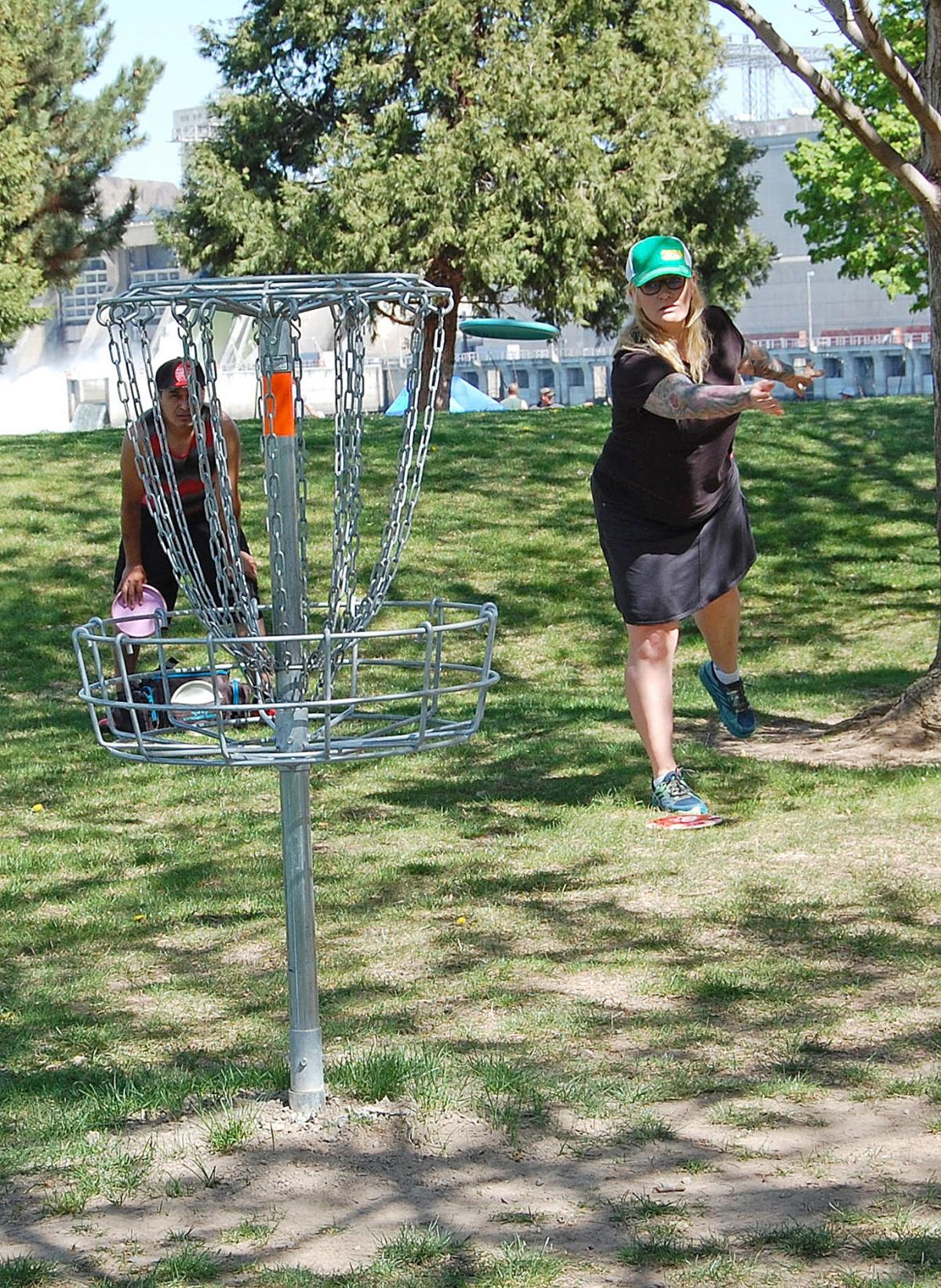 Disc golfers to rattle chains at Desert Disc Golf