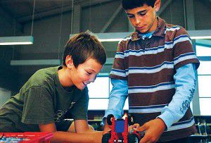 Robotics challenge students in summer school