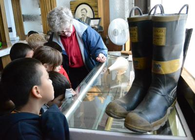 Students get lesson in history during field trip