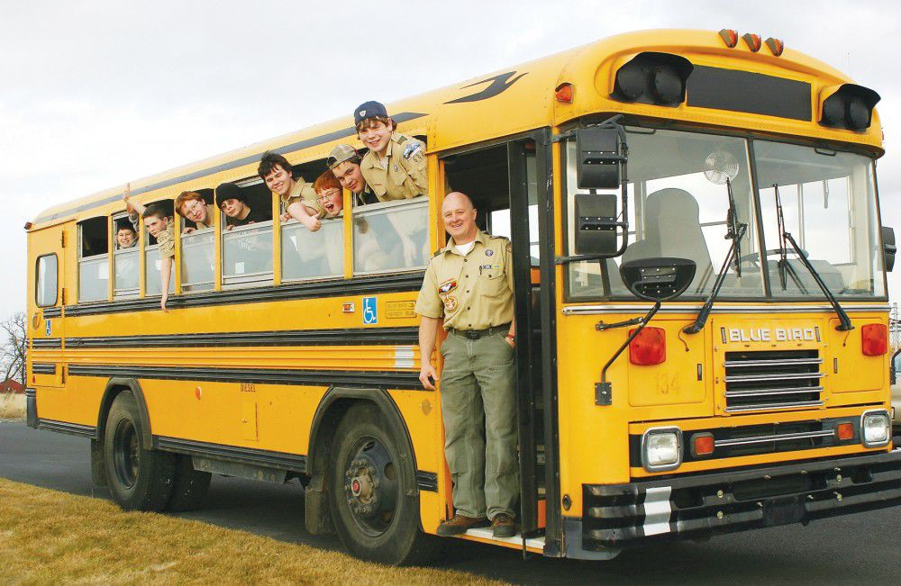 Mid-Columbia donates bus to Hermiston scouts