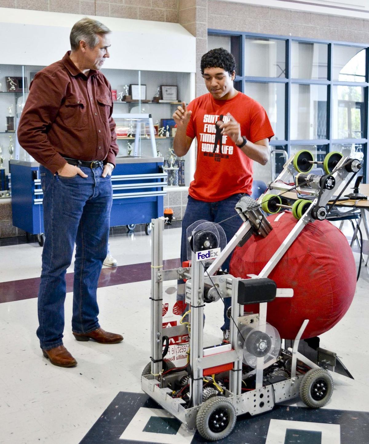 UHS robotics team gets a visit from Sen. Jeff Merkley