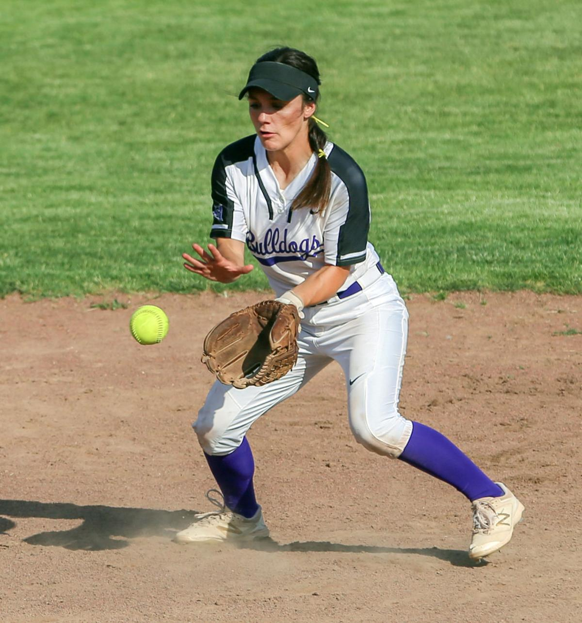 Hermiston moves onto quarterfinals after 4-3 win