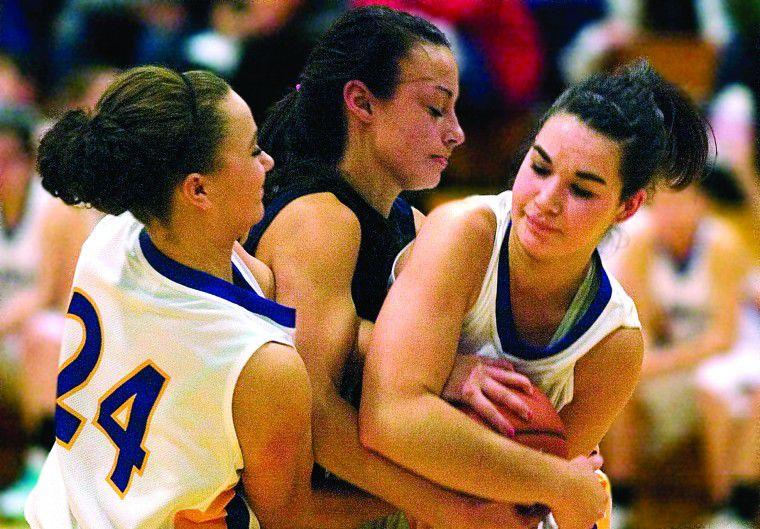 High school hoops begin
