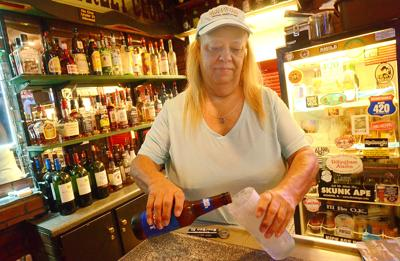 073020-hdr-news-alcoholsales-p1