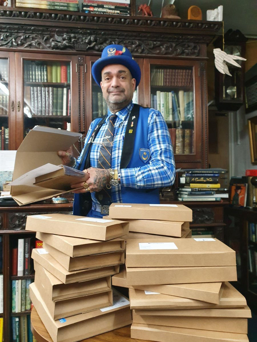 A small bookstore pondered its future after a day without a sale. After a tweet, it became overwhelmed with orders.