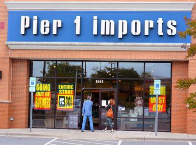 20200606_hdr_news_pier1closing_p1