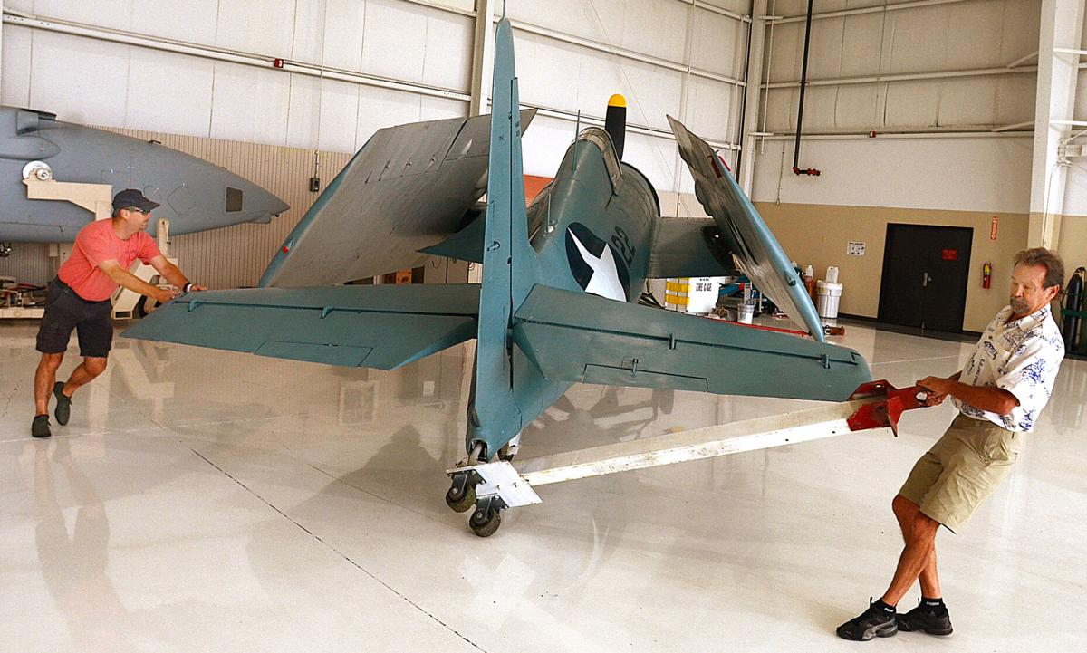 080921-hdr-news-newplane-p1