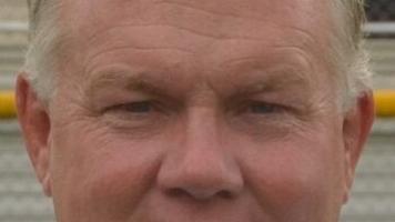 Hicks steps down as Indians' football coach