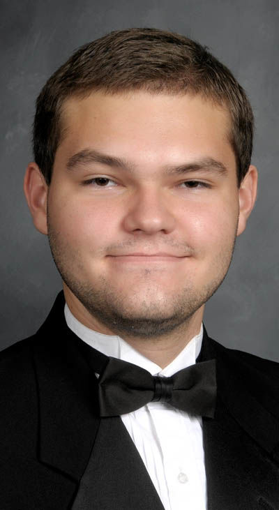 Foundation awards college scholarships