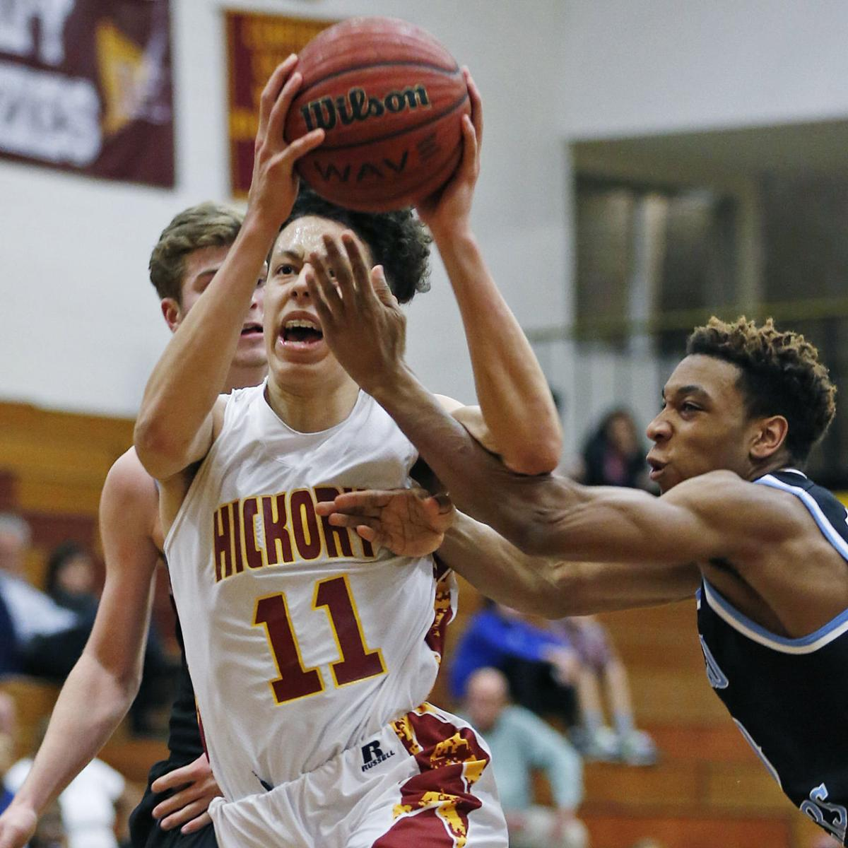 2017 SPORTS YEAR IN REVIEW: Hickory boys hoops advances to