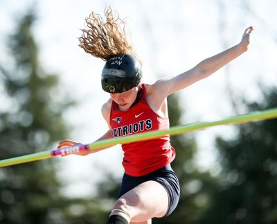 Nora Peterson in the pole vault