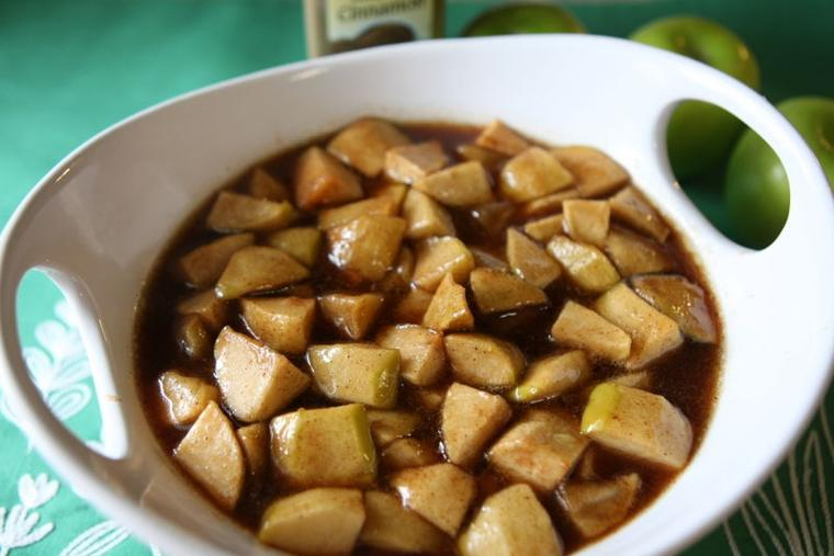 Slow-cooked cinnamon apples