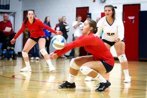 Hannah Ust digs a ball