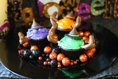 Witch crash cupcakes