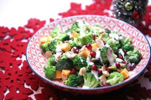 Lemon-poppyseed broccoli salad