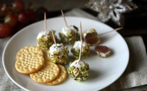 Pistachio-crusted grape 'truffles'
