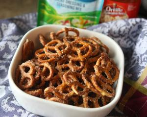 Buttery garlic-ranch pretzels