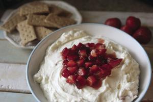 Strawberry cheesecake dip