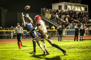 Carson Henningsgard hauls in a touchdown pass