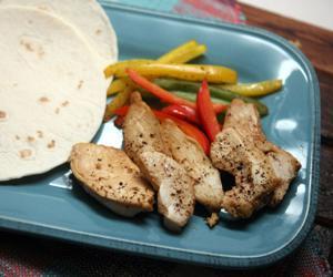 Broiled chicken fajitas