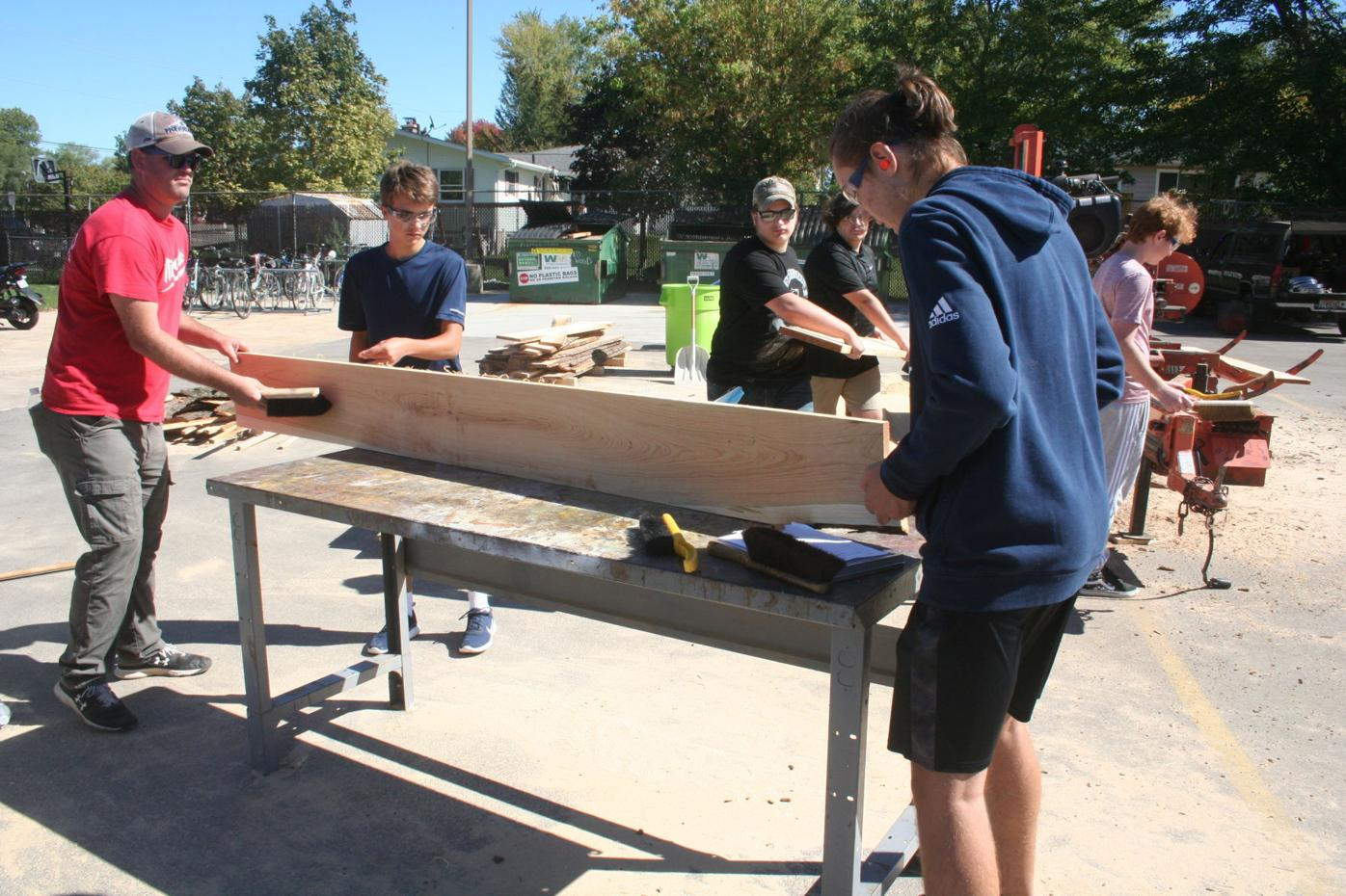 Pennekamp works with students