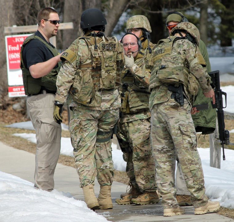 Standoff On Rogers St Local Hngnews Com