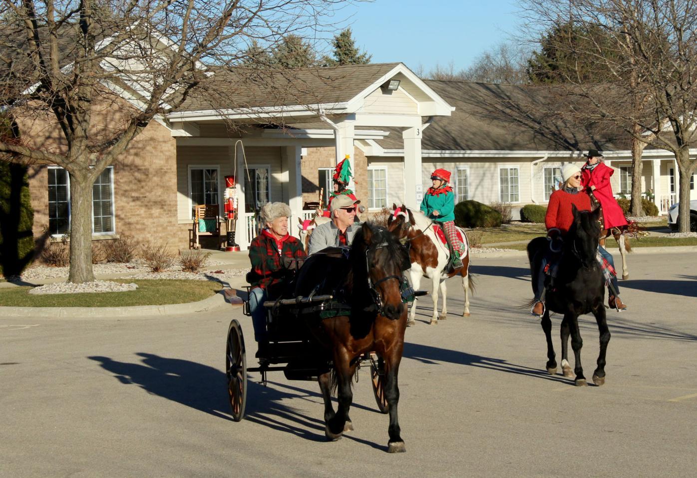 Carolers on horseback 2