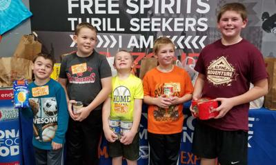 4-H kids help others